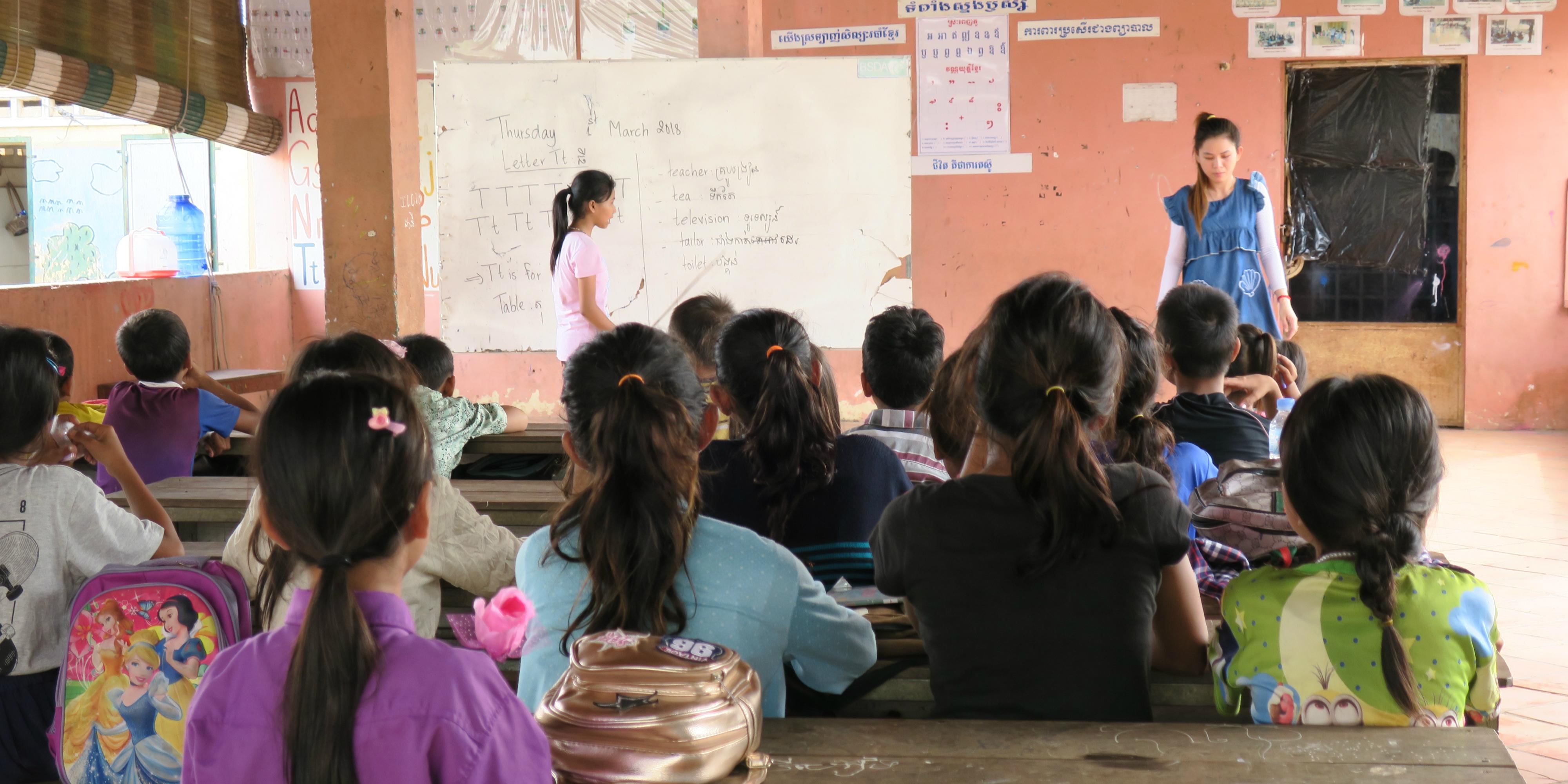 volunteer in cambodia