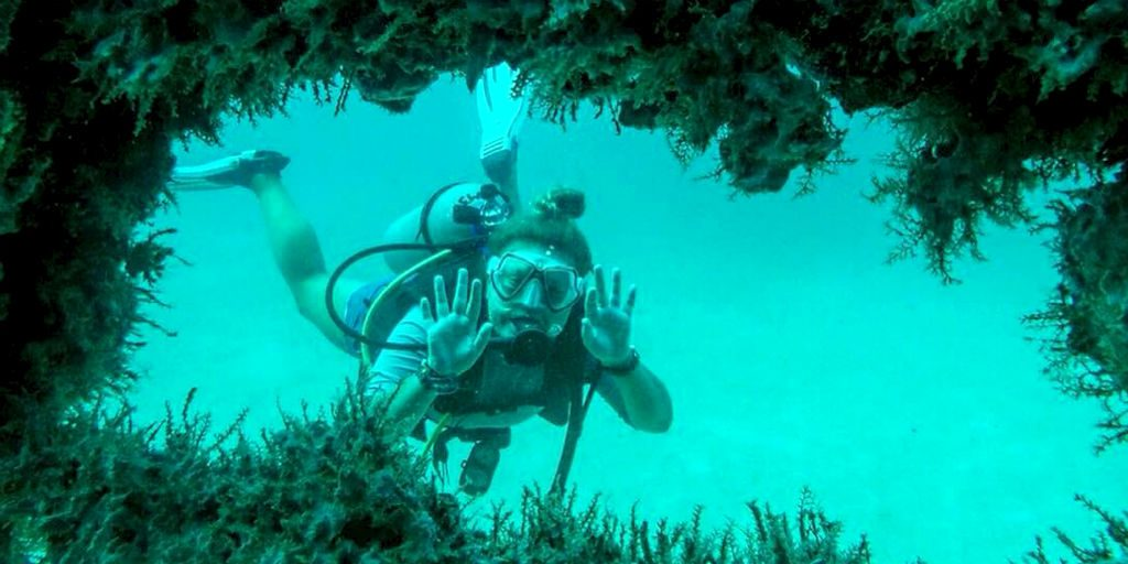 Obtain your PADI certification in Mexico with this volunteer opportunity for teens