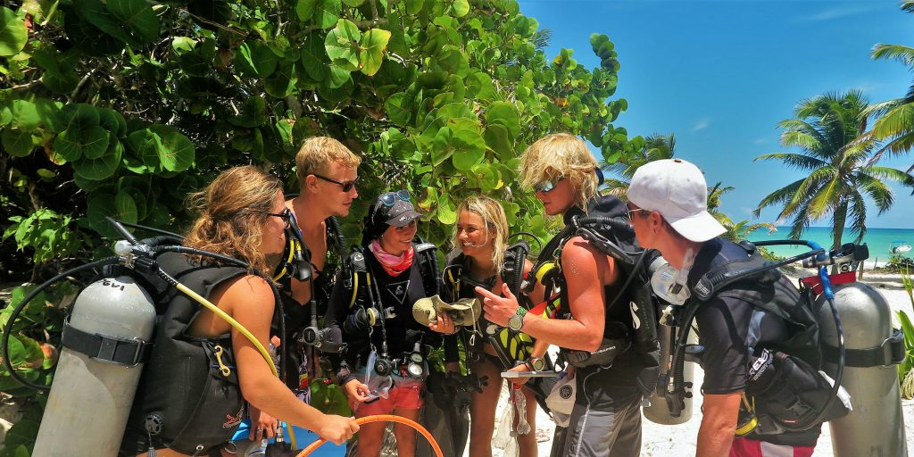 volunteers safe adventuring with gvi