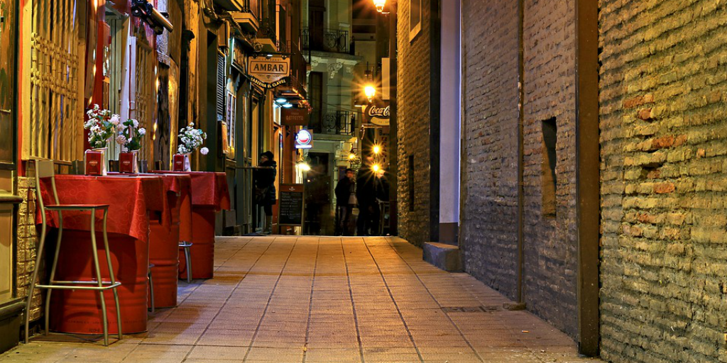 Learn to speak Spanish on a night out in the town.