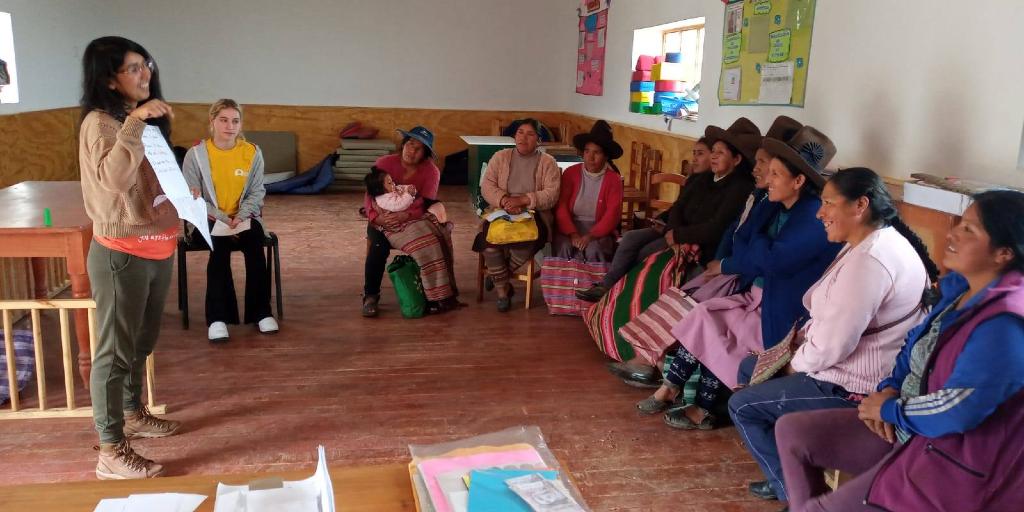 Gap year volunteers in Cusco, Peru